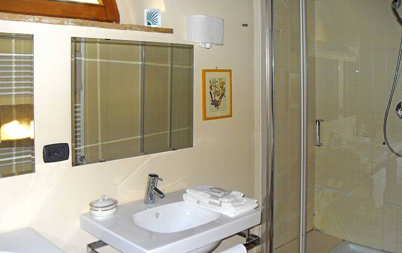 Casale Bathroom Siena Casole d'Elsa Apartment - Bathroom