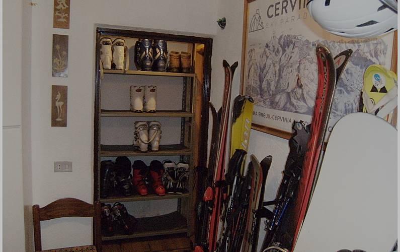 Studio Indoors Aosta Valtournenche Apartment - Indoors