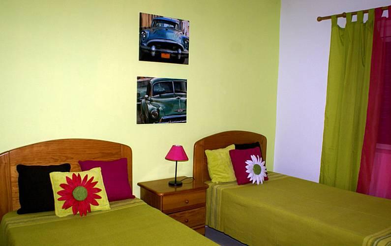 4 Bedroom Algarve-Faro Albufeira Apartment - Bedroom