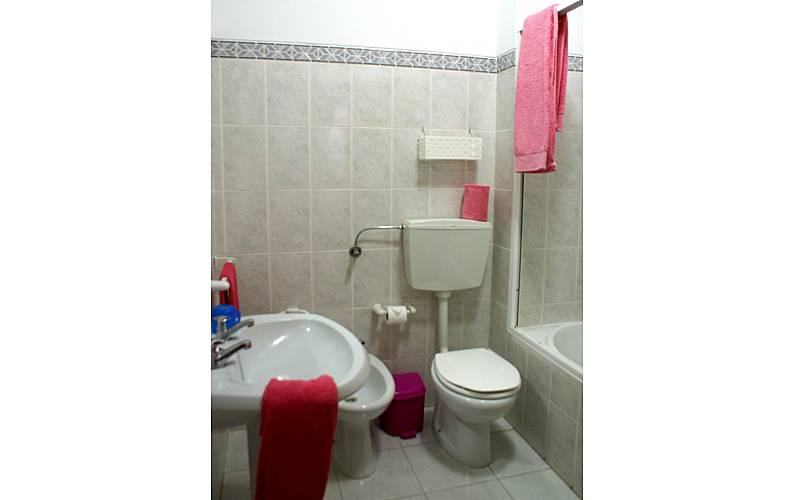 4 Bathroom Algarve-Faro Albufeira Apartment - Bathroom