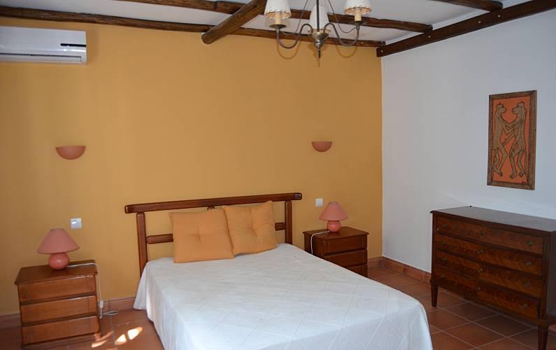 2 Bedroom Algarve-Faro Silves villa - Bedroom