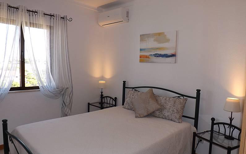 2 Bedroom Algarve-Faro Albufeira Apartment - Bedroom