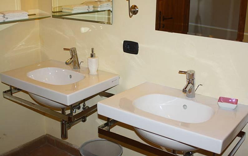 Casale Casa-de-banho Sena Casole d'Elsa Apartamento - Casa-de-banho