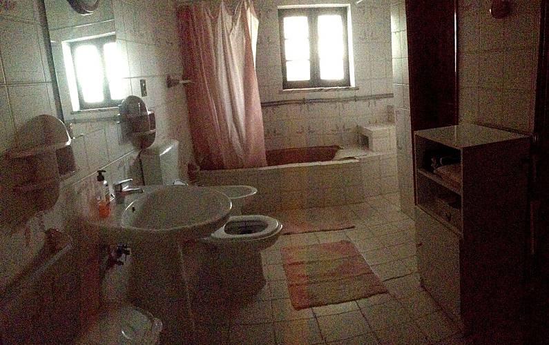 Cerca Casa-de-banho Leiria Alcobaça casa - Casa-de-banho