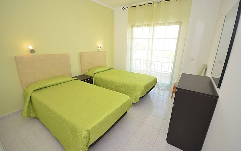 6 Bedroom Algarve-Faro Albufeira Apartment - Bedroom