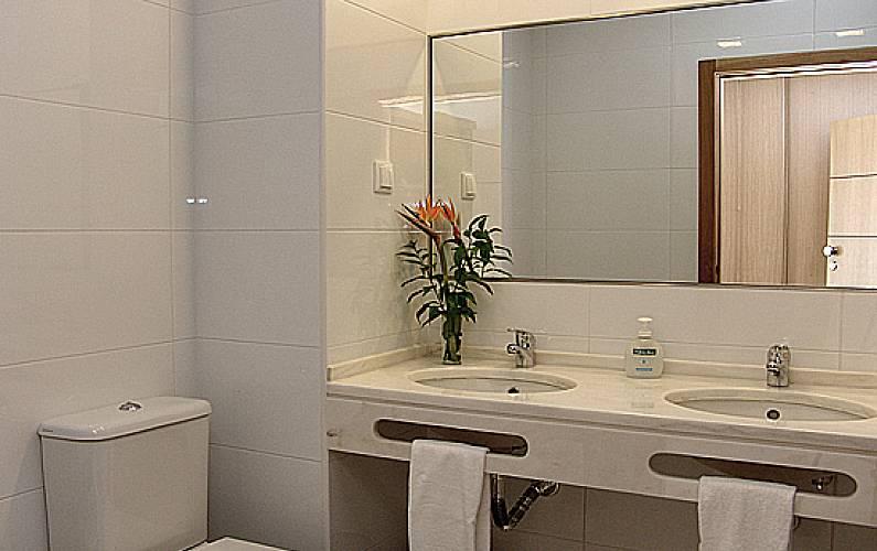 10 Bathroom Algarve-Faro Albufeira Apartment - Bathroom