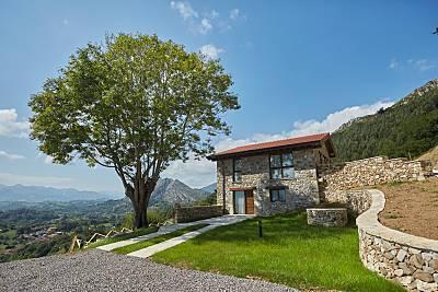 Casa La Piedra Aparta. El fresnu  Asturias