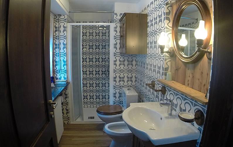 Studio Bathroom Aosta Valtournenche Apartment - Bathroom