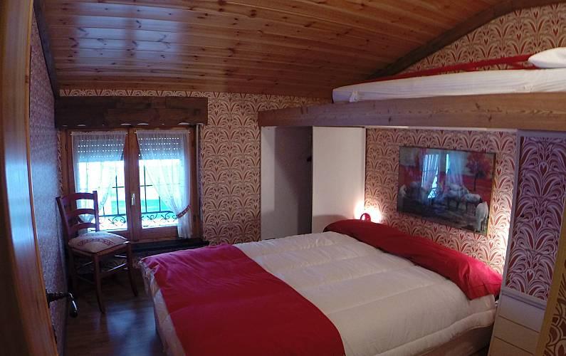 Apartment Bedroom Aosta Valtournenche Apartment - Bedroom