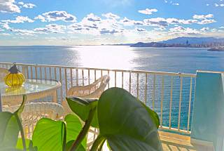 2 Apartments with 2 bedrooms on the beach front line Alicante