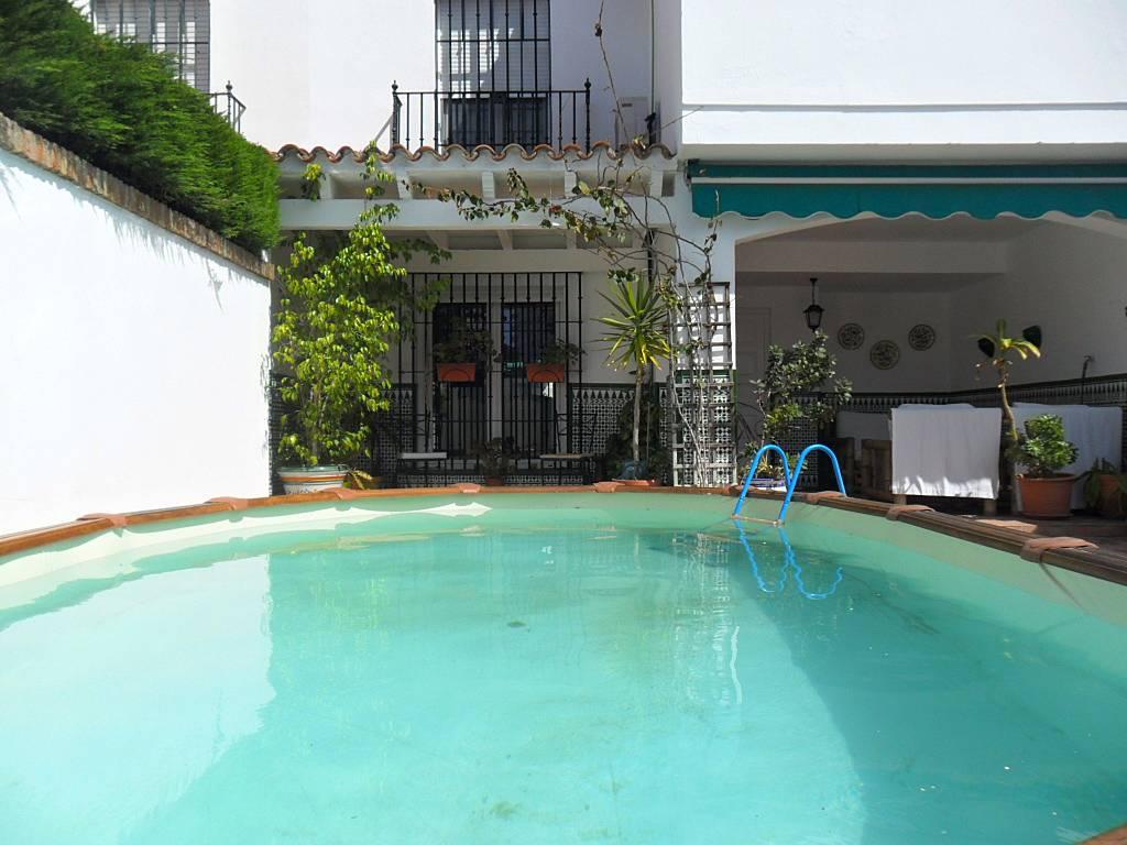 Villa en alquiler a 200 m de la playa piscina el puerto for Piscina municipal el puerto de santa maria