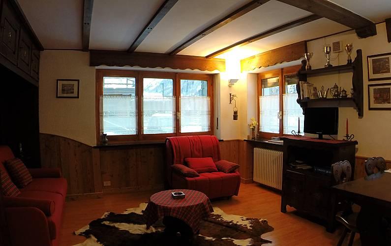 Studio Living-room Aosta Valtournenche Apartment - Living-room