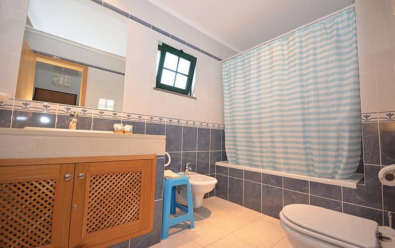 6 Bathroom Algarve-Faro Albufeira Apartment - Bathroom
