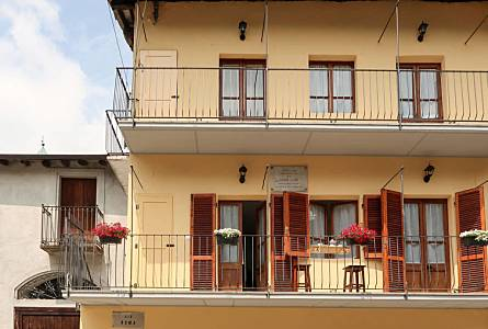 9 Holiday Rentals In Sparone