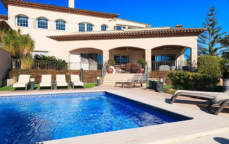 d709284e5decf Alquiler Villa con Piscina en Miami Playa