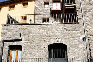 Apartment for 4 people in mountain environment Lerida