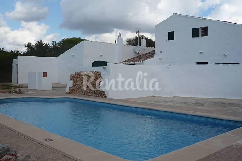 Menorca casa campo con piscina privada ma mah n for Casa de campo con piscina privada