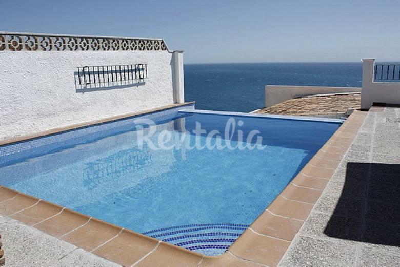 Villa con fant sticas vistas y gran terraza almu car for Piscina publica alhendin granada