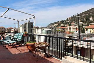 Appartement en location à 300 m de la plage La Spezia