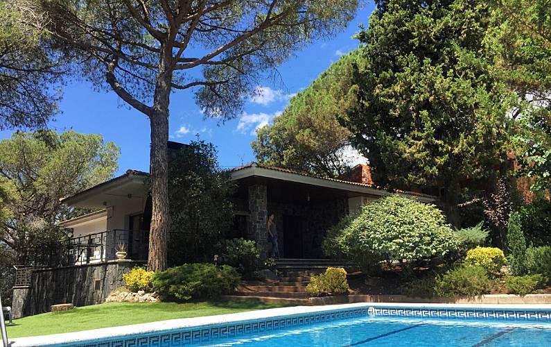 b3de03d7cfa Villa en alquiler con piscina - Sant Antoni de Vilamajor (Barcelona)