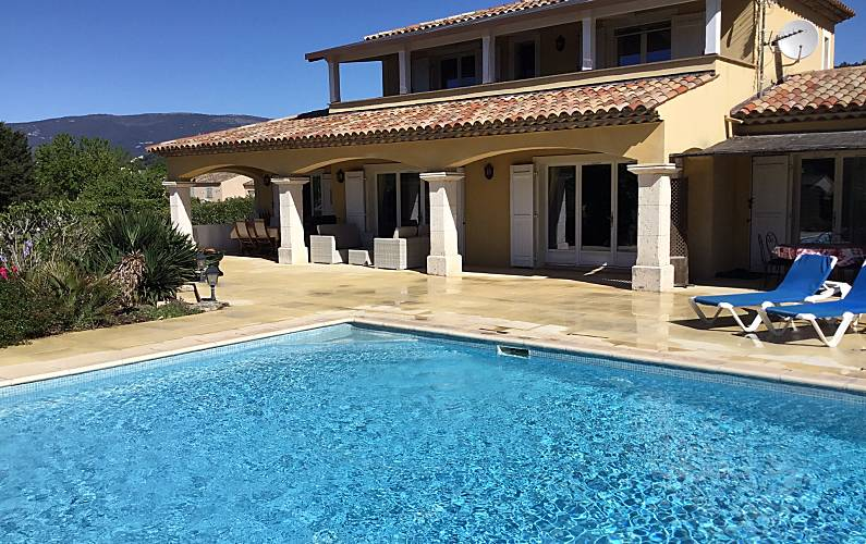 Jolie villa avec piscine & terrasse - Tourrettes (Var)