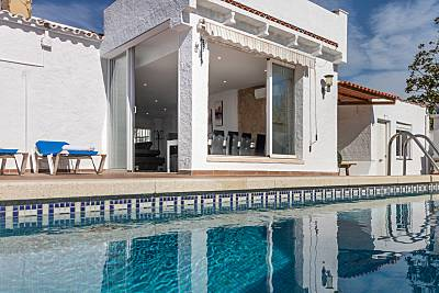 Casa de 4 habitaciones a 900 m de la playa Girona/Gerona