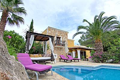 Típica casa ibicenca frente a la puesta de sol Ibiza/Eivissa