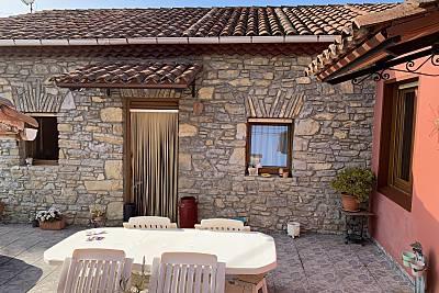 Encantadora casa de piedra en Gijón.  Asturias