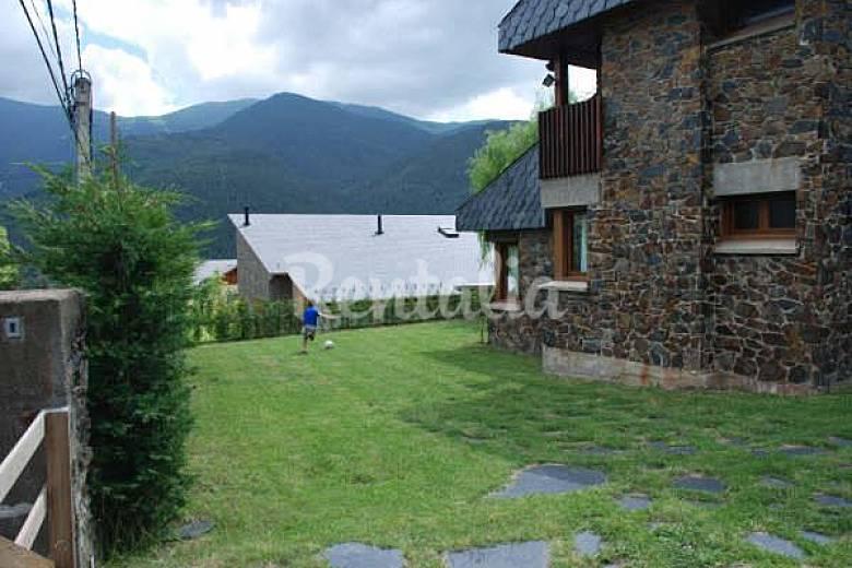 Casa totalmente equipada con jard n privado planes - Casa rural planoles ...