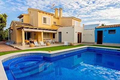 Magnifico Chalet con piscina, en km1 de La Manga. Murcia