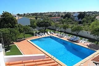 Casa Algarvia com 5 apartamentos,1,5 km da praia Algarve-Faro