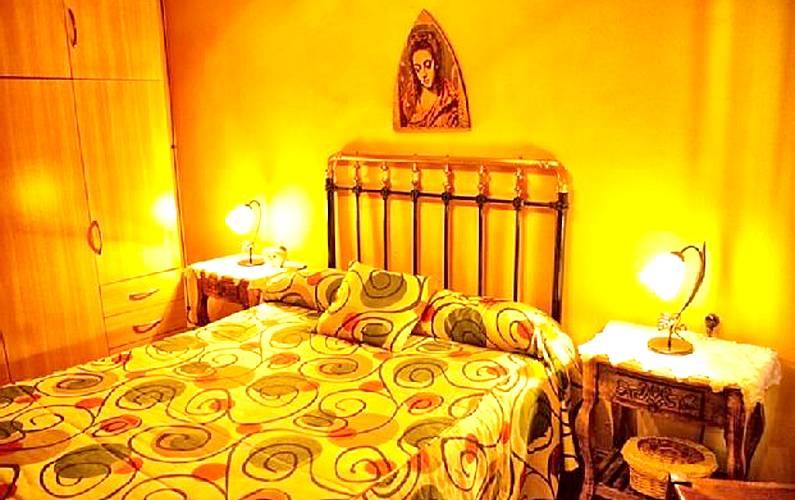 Grosses Haus Mit Blick Auf Die Berge Los Gitanos Montefrio Granada Route Der Burgen Und Schlachten