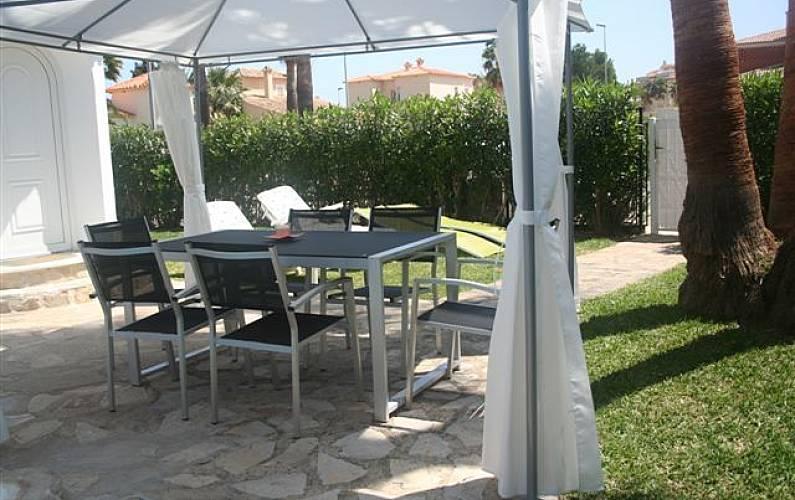 villa en location 400 m de la plage oliva playa oliva valence. Black Bedroom Furniture Sets. Home Design Ideas