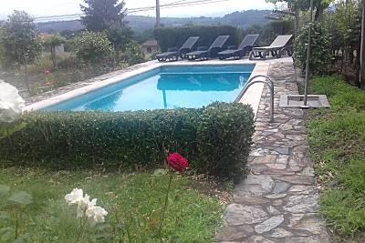 Villa de 3 habitaciones con piscina en Pantón, LU. Lugo