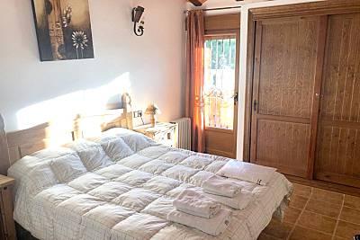 Bonita casa con piscina compartida Jaén