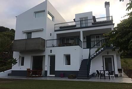 Holiday Rentals Agua De Pau Lagoa R A A Apartments Holiday