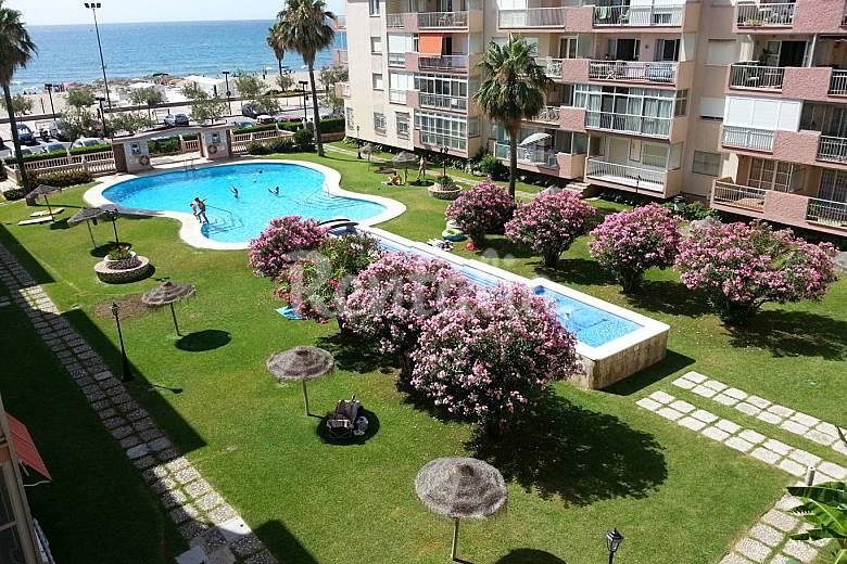 moderno apartamento en 1 linea de playa fuengirola On casas con piscina fuengirola