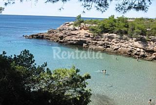2-bedroom house on the beachfront (5 meters) Tarragona