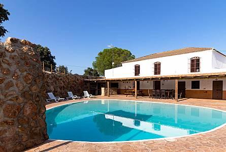 Holiday Rentals Moron De La Frontera Seville Apartments Holiday Homes And Villas