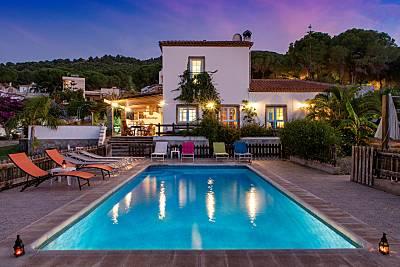 Villa con piscina privada a 5 km de la playa Málaga