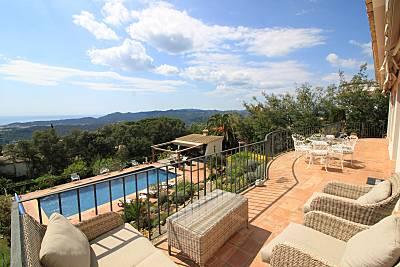Casa con vistas al mar y piscina privada Girona/Gerona
