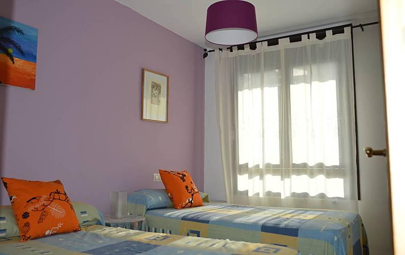 Appartement met 2 slaapkamers op 1300 meter van het strand llanes asturias pelgrimsroute - Kamer van bian ...