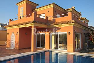 Villa for 10-14 people only 500 meters from the beach Málaga
