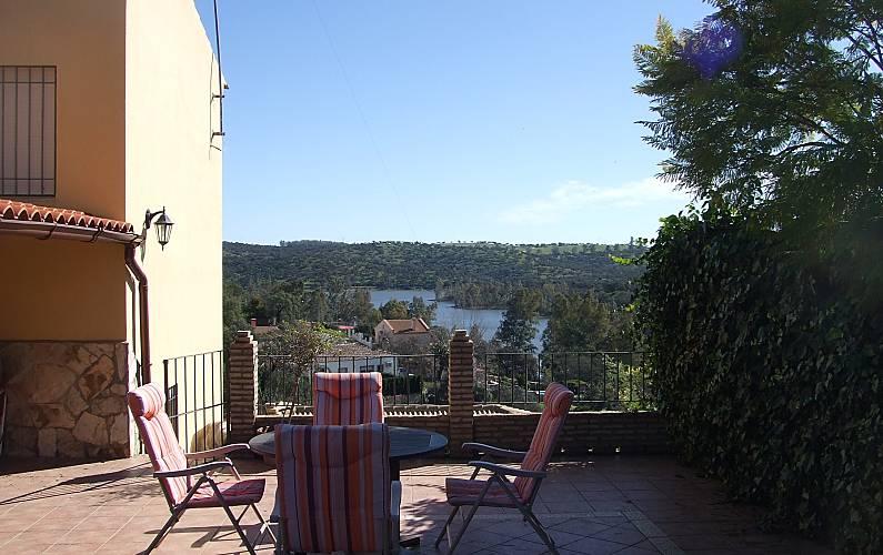 Casa para 8 10 personas con piscina lagos del serrano guillena sevilla sierra norte de sevilla - Casas con piscina en sevilla ...