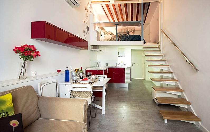 Loft alojamiento y desayuno en barrio las letras madrid madrid camino de santiago de madrid - Apartamento tipo loft ...