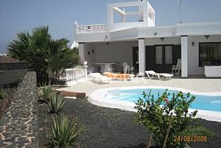 Villa for rent with swimming pool Lanzarote