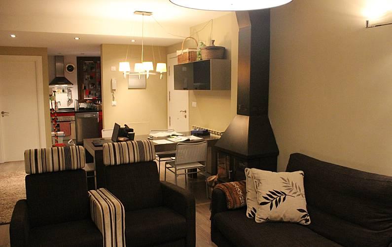 Lujosa Salón Huesca Sallent de Gállego Apartamento - Salón