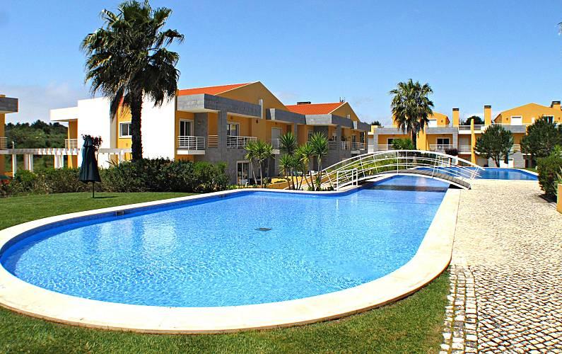 Cascais Garden Apartment in Cascais Lisbon - Swimming pool