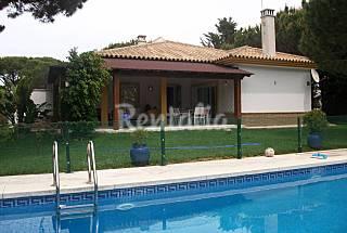 Precioso chalet con piscina privada y jardin Cádiz