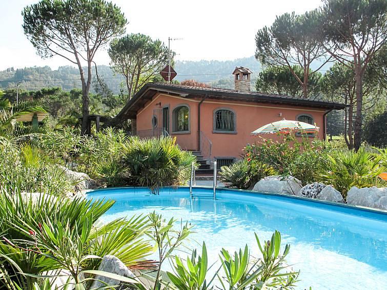 Holiday Rentals Trina Camaiore Apartments Holiday Homes And Villas